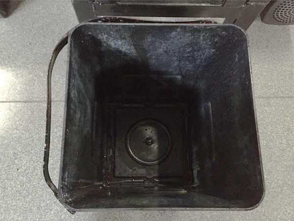 PE製インク缶 洗浄後